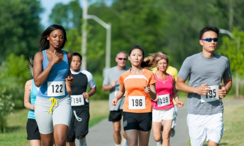 Let's Race: How Marathon Runners and Stocks in Uptrends Make Similar Moves
